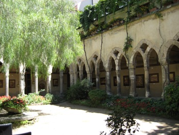 Ancient Cloister In Sorrento For Outdoor Civil Weddings